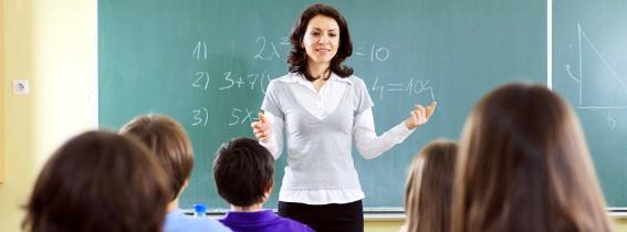 Conseguir empleo de maestro y profesor