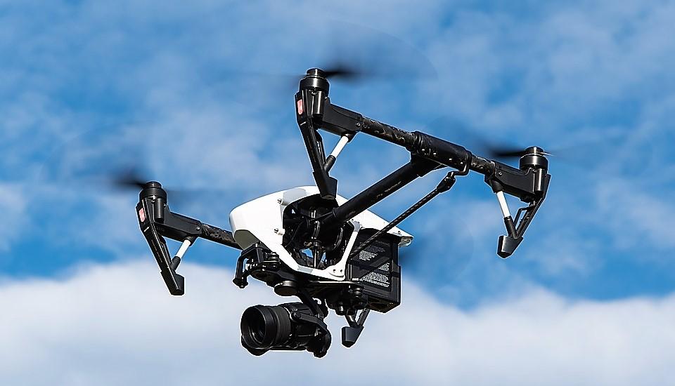 Qué hacer para ser piloto de drones