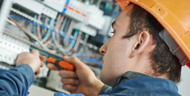 estudiar electricidad carnet instalador electricista
