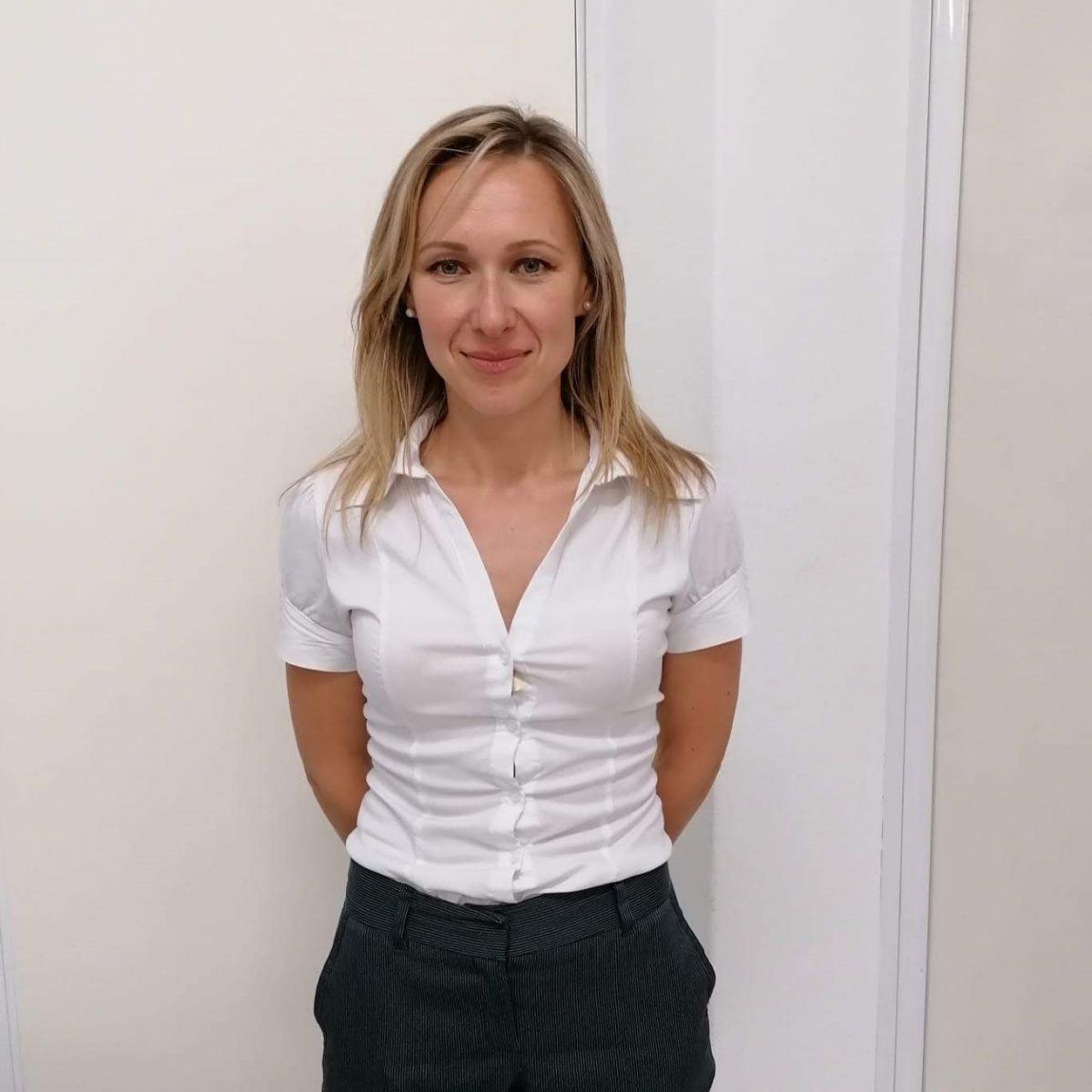 Olena Ryezanova: Curso de Assistente Administrativo Financeiro