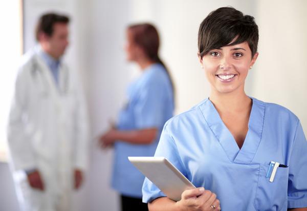 Auxiliar de saúde num hospital