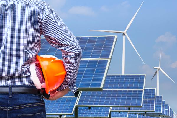 Profissional do ramo das energias renováveis, um dos sectores com maior crescimento a nível mundial.