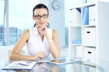 Assistente Administrativo a trabalhar