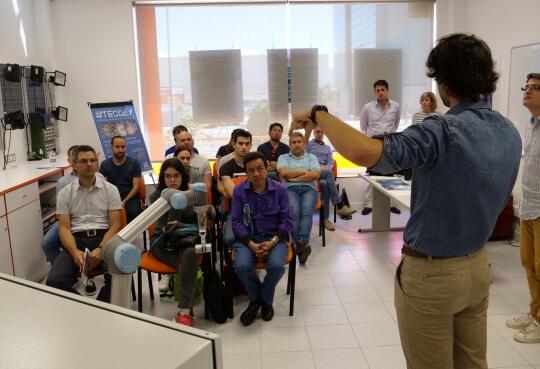 Estudiar robotica con el curso de MasterD